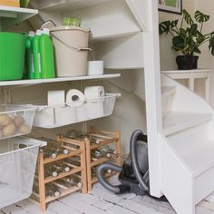Top 11 Ikea Butlers Pantry Ideas For Your Kitchen — Decor & Design Ikea Kitchen Storage Cabinets, Ikea Kitchen Pantry, Algot Ikea, Ikea Dining Room, Licht Box, Built In Pantry, Pantry Shelving, Best Ikea, Pantry Design