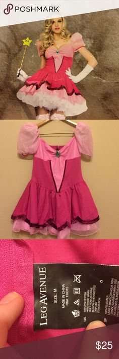 Hot Topic Princess Pink Halloween Costume Only worn once. I'm selling only the dress because I can't find the gloves and socks! I'm moving and it needs to go! Make offers. Perfect for Halloween and parties. It's clean and in great shape! Hot Topic Dresses Mini