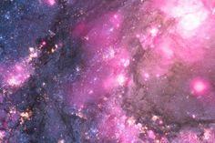 A Nasa divulgou uma imagem que mostra uma explosão produzida por um buraco negro na galáxia M83, a cerca de 15 milhões de anos-luz da Terra. A foto foi capturada pelo telescópio do Observatório Chandra de Raios X.
