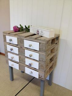 Small draw unit made from pallets @Design Hub Hamilton Hamilton Cook-Ewing