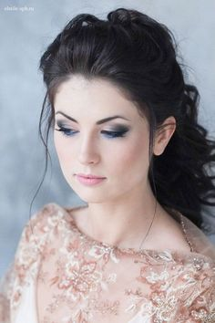 Wedding Hairstyles :   Illustration   Description   Wedding hair and makeup looks idea / www.deerpearlflow…    -Read More –   - #WeddingHairstyle https://adlmag.net/2017/12/31/wedding-hairstyles-wedding-hair-and-makeup-looks-idea-www-deerpearlflow-19/