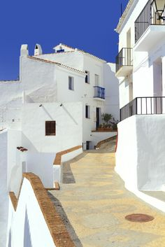 Frigiliana, Malaga (Spain) Source by benoitfrerot. Cadaques Spain, Spain Holidays, Voyage Europe, Spain And Portugal, Future Travel, Spain Travel, Interior Design Living Room, Wonders Of The World, Beautiful Places
