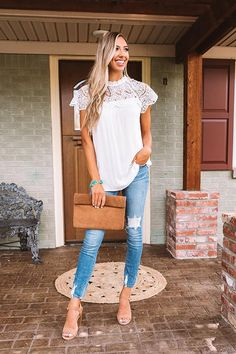 Summer Outfits For Moms, Cute Spring Outfits, Mom Outfits, Casual Outfits, Cute Outfits, Target Outfits, Early Spring Outfits, Holiday Outfits, Blue Jeans
