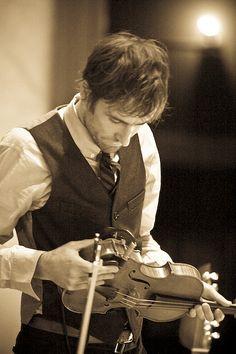 Andrew Bird: violinist, guitarist, vocalist, & whistler