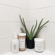 bath essentials #uoaroundyou (instagram: themoptop)
