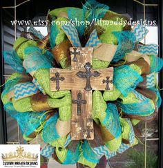 Rustic Cross Wreath Burlap by lilmaddydesigns on Etsy Sunflower Burlap Wreaths, Wreath Burlap, Door Wreath, Mesh Wreaths, Holiday Wreaths, Spring Wreaths, Burlap Crafts, Decor Crafts, Chevron Burlap