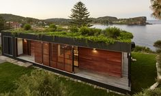 Eco Friendly Avalon House Is A Green Roofed Beach Getaway - Eco Friendly Avalon House Is A Green Roofed Beach Getaway That Takes Only Weeks To Build Under Architecture Carousel Showcase Gallery Green Building Prefab Housing Architecture Durable, Sustainable Architecture, Architecture Design, Chinese Architecture, Architecture Office, Futuristic Architecture, Residential Architecture, Avalon House, Avalon Beach