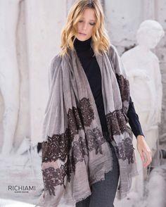 #richiamiscarves #fashionfriday #instacool #instadaily #instastyle #instafashion #fashiongram #fashionlovers #fashionpost #fashionstyle #fashiondaily #fashionlove #scarves #madeinitaly #embroidery #italianstyle #italianfashion