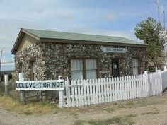 A house made entirely of dinosaur fossils (Medicine Bow, WY)