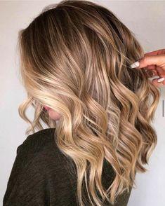 Platinum Blonde Balayage, Blonde Tips, Blonde Balayage Highlights, Caramel Balayage, Brown Hair Balayage, Brunette To Blonde, Hair Color Balayage, Hair Colour, Balayage Lob