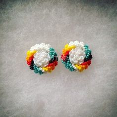 Totally messed these up, so I now own these cuties. Beaded Earrings Native, Native Beadwork, Native American Beadwork, Beaded Jewellery, Seed Bead Earrings, Seed Beads, Beading Ideas, Beading Projects, Beading Patterns