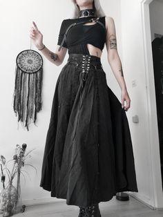 Dark Fashion, Gothic Fashion, Women's Fashion, Fashion Outfits, Gothic Dress, Gothic Outfits, Long Skirt Outfits, Cool Outfits, Gothic Looks