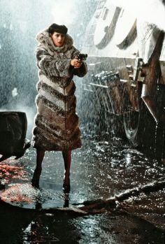 Sean Young as Rachael in 'Blade Runner', directed by Ridley Scott Cultura Pop, Rock And Roll, K Dick, Daryl, Sean Young, Blade Runner 2049, Andreas Gursky, Sci Fi Films, Ridley Scott