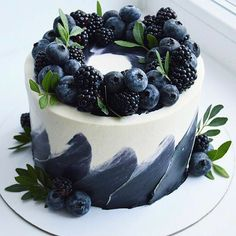 Beautiful Birthday Cakes, Beautiful Cakes, Amazing Cakes, Pretty Cakes, Cute Cakes, Food Cakes, Cupcake Cakes, Cake Recipes, Dessert Recipes