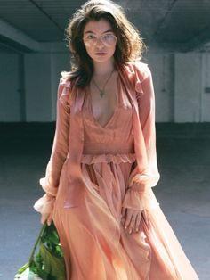 Lorde looking hot