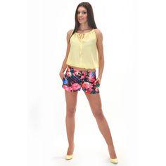 Krótkie spodenki damskie w żywych kolorach Gym Shorts Womens, Fashion, Moda, Fashion Styles, Fashion Illustrations