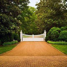 Luxury Gravel Driveway Ideas White Brick Pavers And White Gate Gravel Landscaping, Gravel Driveway, Driveway Entrance, Entrance Gates, Driveway Ideas, Driveway Design, Landscaping Ideas, Backyard Ideas, Concrete Edging