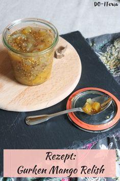Im Sommer passt ein Relish perfekt zu fast jedem Gericht. Auf der DO-Iteria findest du das Rezept für ein köstliches Gurken Mango Relish Pesto Dip, Bbq, Recipe For Mom, Foodblogger, Chutney, Easy, Grilling, Mango, Fruit