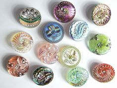 Dorset Buttons, Button Cards, Sewing Tools, Sugar And Spice, Vintage Buttons, Czech Glass, Old And New, Diy Jewelry, Mosaic