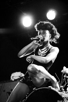 Shingai Shoniwa - The Noisettes, was obsessed with her in HS