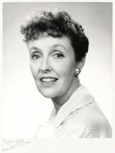 Joyce Grenfell starred in the original St. Trinian's films of the British Actresses, British Actors, Comedy Actors, Actors & Actresses, St Trinians, Actor Secundario, British Comedy, Classic Films, Funny People