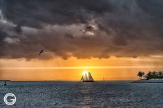 Sunset over the Gulf of Mexico from Key West - Florida USA - Orestegaspari.com #keywest #keywestflorida #lovefl #sunset #sunsetflorida #floridakeyssunset #usa #floridabeaches #florida #floridakeys #traveleroftheweek #usatravel #travelmyusa #fantastic_earth #instawestend61