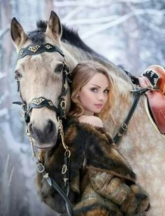 If you are looking for a hobby that is very easy to get involved with, then horse girl photography is the perfect place for you. This type of photogra. Pretty Horses, Horse Love, Beautiful Horses, Animals Beautiful, Beautiful Women, Horse Girl Photography, Equine Photography, Animal Photography, Animals And Pets