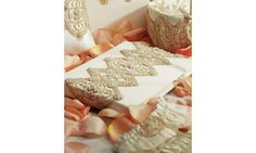 Livre d'or dentelle vintage www.lescouleursdumariage.com
