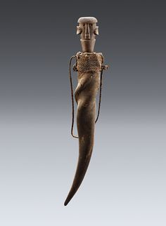 Medicinal horn, Shambaa, Tanzania Animal horn, wood, twine, 60cm Private collection, Brussels