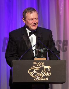 Garrett O'Rourke accepts the Eclipse Award for Close Hatches and Champion Older Female. photosbyz.com