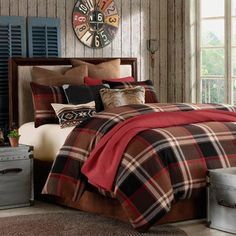 Rustic style - bedding would be so inviting in the winter