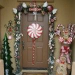 This is a darling front door decoration by Sugar Plum Designs, love it.