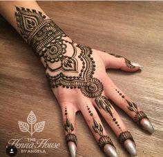 Most Beautiful Henna Designs 2019 Eid Mehndi Designs, Mehndi Designs For Girls, Mehndi Design Photos, Wedding Mehndi Designs, Henna Designs Easy, Beautiful Mehndi Design, Latest Mehndi Designs, Henna Tattoo Designs, Henna Tattoo Hand
