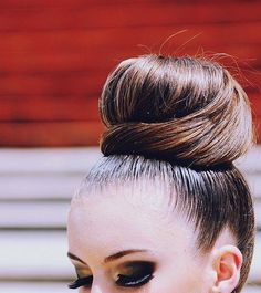 Man why can't my bun look like this?!