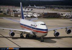 Boeing 747-2F6B