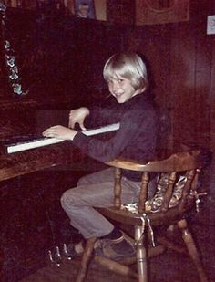 Kurt playing piano.