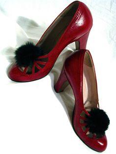 Vintage 1930s burgundy leather Meschell Faris Parisian design court shoes (heels) with black rabbit fur pompom trim <3 | via beautifuliscollectable on eBay