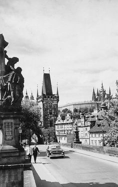 Prague of yesteryear. Courtesy of Vilém Heckel Archive Old Photography, Czech Republic, Time Travel, Old Photos, Most Beautiful Pictures, Louvre, Black And White, Street, City