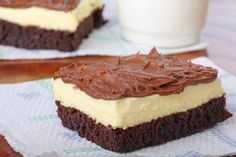 69 Low Calorie Lunch recipes that are both super-nutritional and delicious. They are no more than 400 calories each. Cheesecake Brownies, Mini Cheesecake, Low Calorie Sweets, Low Calorie Lunches, Food Lists, Cheesecakes, Lunch Recipes, Baking, Eat