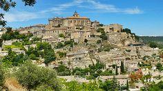 Les villages perchés du Luberon  Le Luberon regorge de splendides villages. Plusieurs d'entre eux font partie du label « Plus beaux villages de France« : Gordes, Roussillon, Ménerbes, Lourmarin et Ansouis. #Luberon #vacances #provence #tourisme