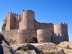Sotalbo, Avila, Castile and León, Spain. Real Castles, Beautiful Castles, Chateau Medieval, Medieval Castle, Castle Ruins, Castle House, Fortification, Monuments, Spain And Portugal