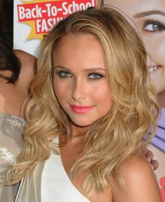 Hayden Panettieres sexy hairstyle