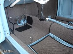 Something to be said for this simplisticly designed flooring in vintage automobiles. Hot Rods, Fiat 600, Vw Rat Rod, Vw Super Beetle, Vw Vintage, Car Upholstery, Truck Interior, Vw Cars, Vw T1