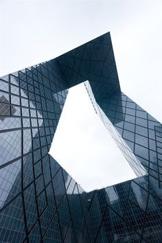 CCTV Headquarters, designed by OMA as a reinvention of the skyscraper as a loop, defies the skyscraper's typical quest for ultimate height. The design combines the entire process of TV-making, formerly scattered in various locations across the city, into a loop of interconnected activities. Photo: Iwan Baan