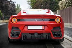 Ferrari F12 TDF .