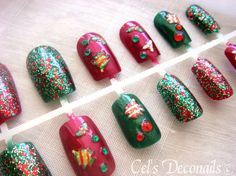 Under the Christmas Tree nails