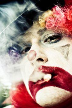 self portrait (by Michelle Brecher) [smoking clown] Le Clown, Circus Clown, Creepy Clown, Circus Theme, Circus City, Pantomime, Pierrot Clown, Dark Circus, Send In The Clowns