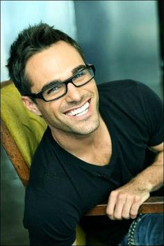 Marco Dapper - even hotter with glasses