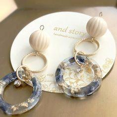 べっ甲パール Oval line pierce Diy Resin Earrings, Earrings Handmade, Handmade Jewelry, Handmade Accessories, Jewelry Crafts, Jewelry Art, Beaded Jewelry, Jewelry Design, Making Resin Jewellery