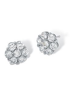 Gorgeous sparkling stud earrings! Love these with a simple dress & classic makeup.